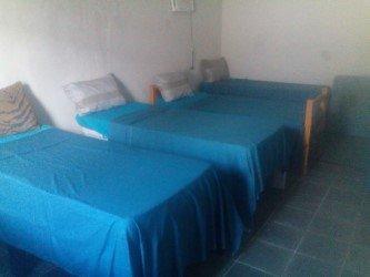 Hemos encajar con 4 camas individuales.