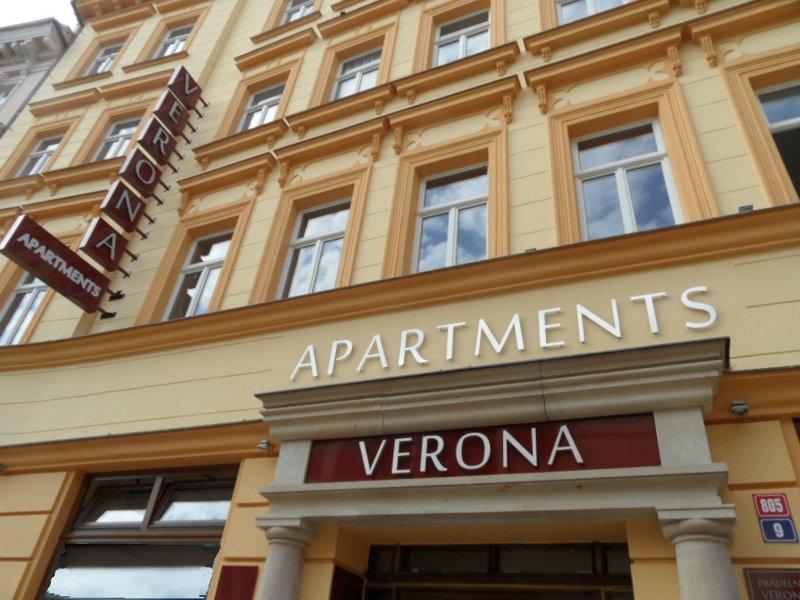 Apartments Verona Standard, alquiler vacacional en Podboransky Rohozec