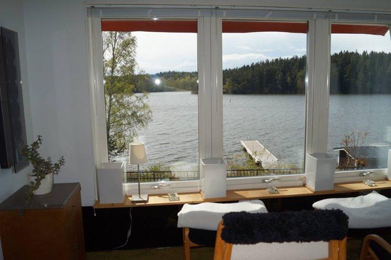 Lakeside House Södertälje 5 Bedrooms – semesterbostad i Ösmo