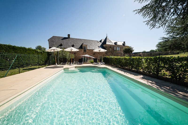 Beaux Reves 3 bedroom villa near Sarlat. Classified 5 star. Heated pool