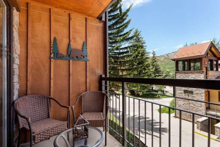 Relajarse en el balcón, una gran mancha de invierno o de verano para respirar el aire fresco de Colorado!