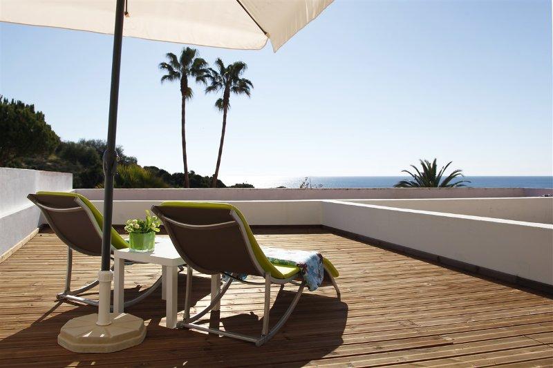 Fantástic and modern 1 bed apartament in Praia dos Aveiros, location de vacances à Areias de Sao Joao