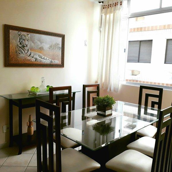Enseada Guarujá Beach, Come to enjoy a sweet and aired apartment, location de vacances à Guaruja