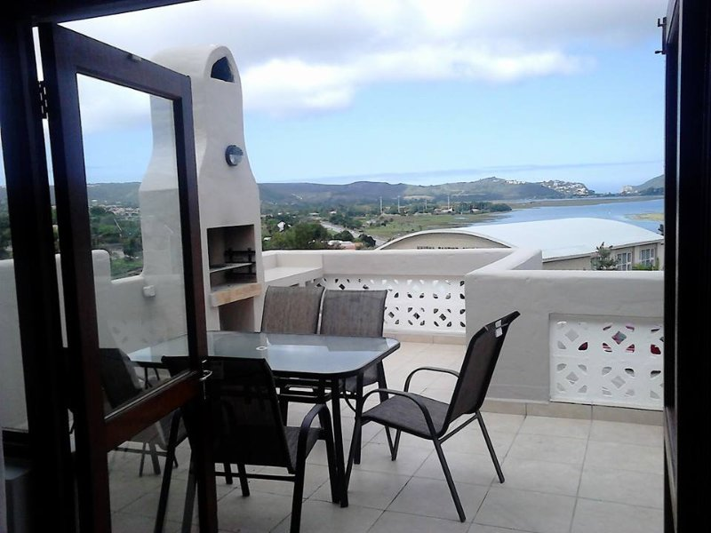 Patio and BBQ area, with that amaizing view