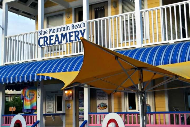 Time for Ice Cream at The Creamery em Blue Mountain Beach