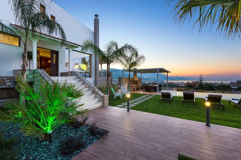 Honey Seaview Luxury Villa, Kounoupitsa Kissamos, Chania, vacation rental in Kampos