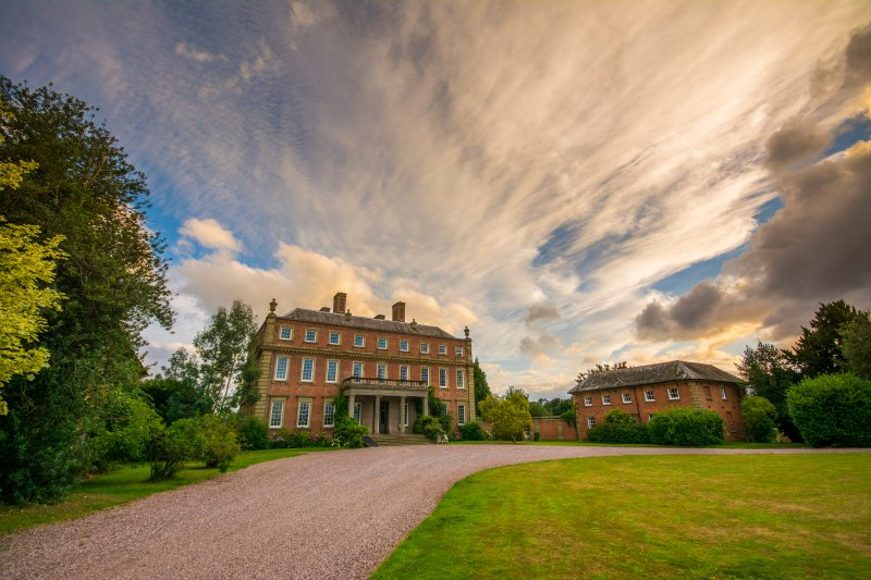 Stay in Grade 1 Country House Davenport House and its 5 cottages (sleeps 32), vacation rental in Wombourne