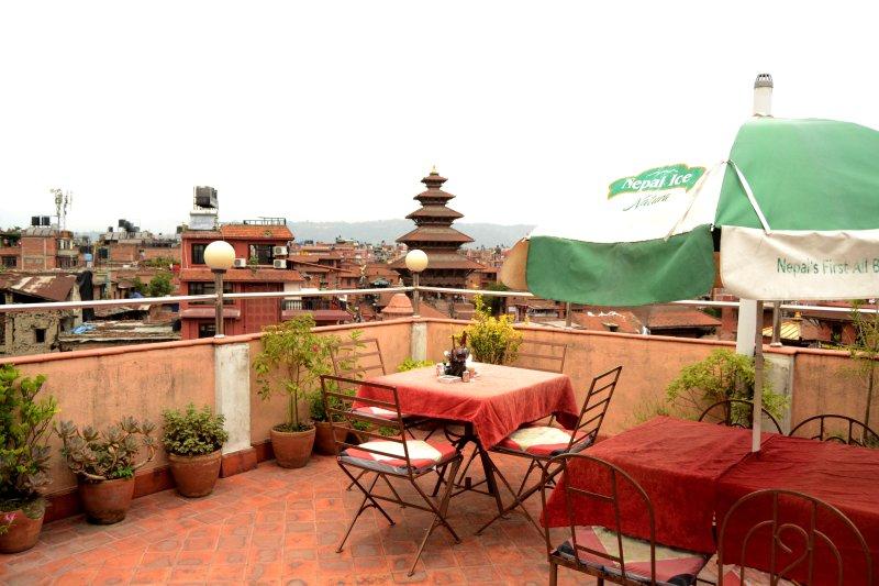 Himalaya Guest House/ Chillout De Himalaya, vacation rental in Panauti