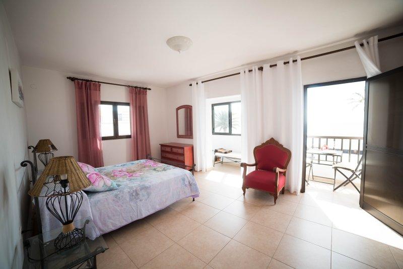 Chambre avec balcon avec vue sur la mer