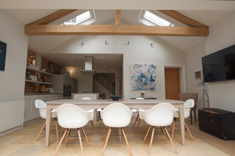 Contemporary, cosy and stylish Victorian home in Royal Berkshire., holiday rental in Warfield
