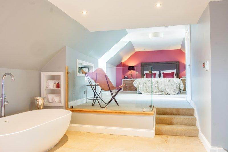 Ultimate luxury! Open plan master suite with comfy superking & stone double-bath. Underfloor heating