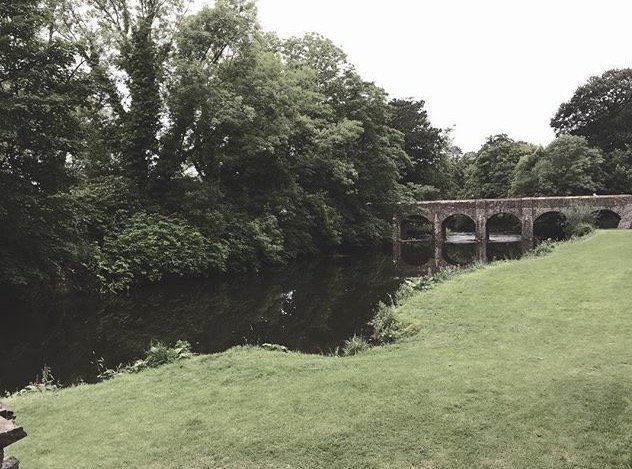 Lough Shore / Castle Grounds Connection, (5 Mins from town centre)