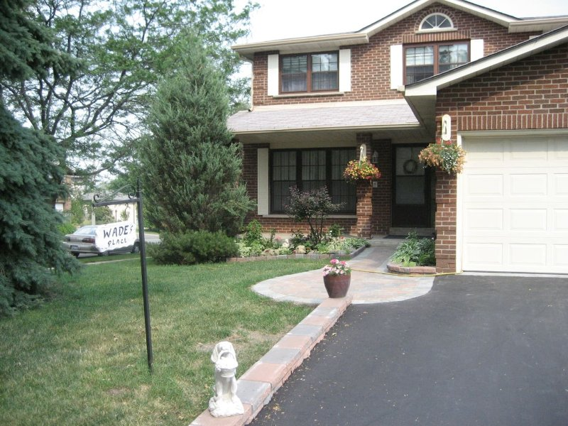 WADE'S PLACE BED AND BREAKFAST (The Twins), vacation rental in Markham