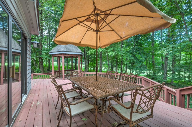 Enjoy the outdoors from the spacious deck and gazebo!