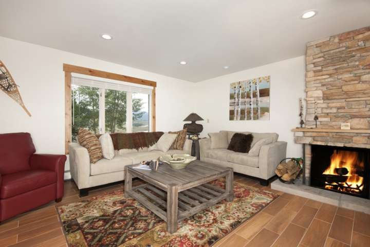 NEWLY REMODELED LISTING Lakefront Condo W/Mountain Views! Near Breck & Keystone/ Chalet in Arapahoe Basin