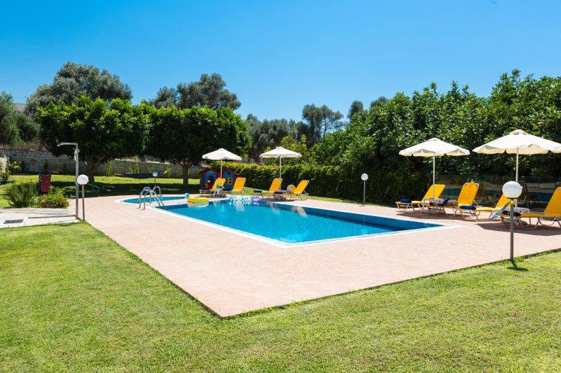 60 m² piscine écologique et la piscine pour enfants
