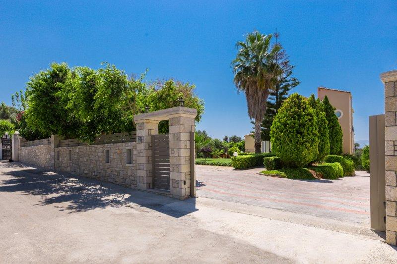 L'entrée principale de la villa.