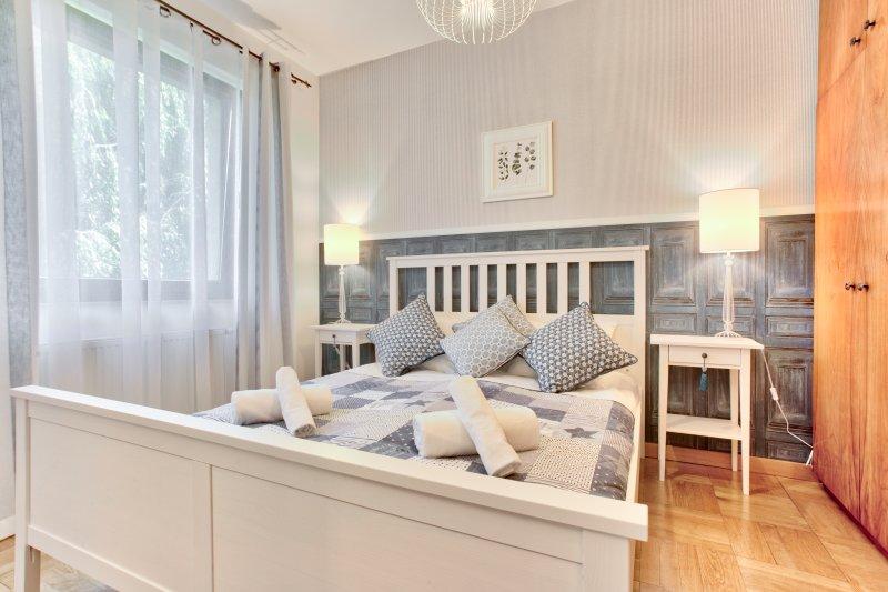 Elegant Apartment for 4, holiday rental in Zelkow
