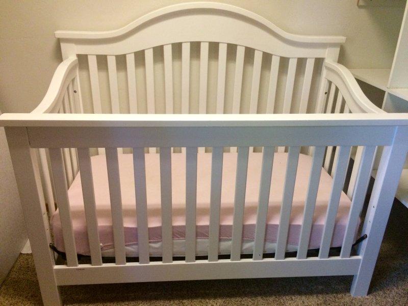 Full crib in queen bedroom - main level