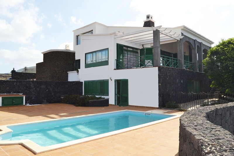 Vista Timanfaya - Un balcón al Timanfaya, holiday rental in Las Brenas