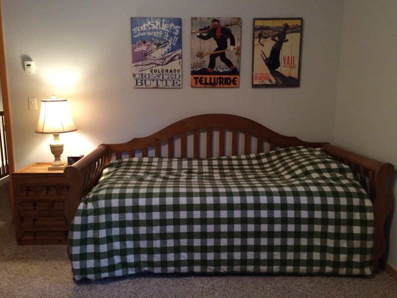 Bunk room - daybed with trundle underneath - upstairs