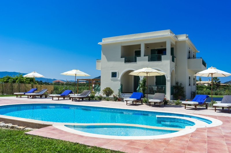Villa Kampos, holiday rental in Kalpaki