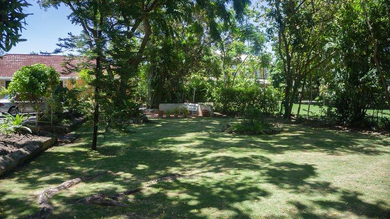 Voorkant van het huis vanuit de tuin