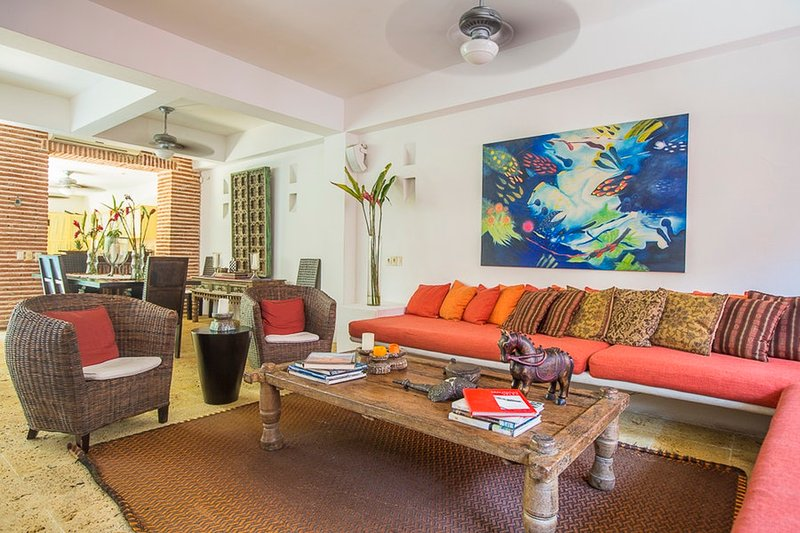Luxury Beautiful Colonial House Casa De Hobo