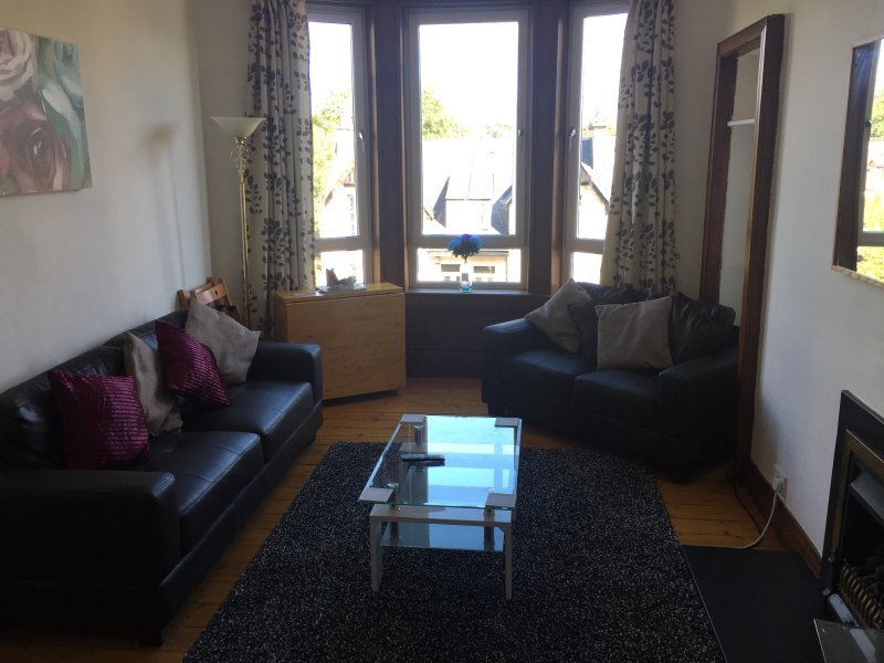 Great Location, 2 Bed Scotstoun/West End Flat, holiday rental in Bearsden