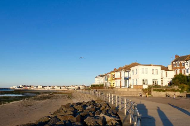 seafront apartment with amazing views, vacation rental in Birchington