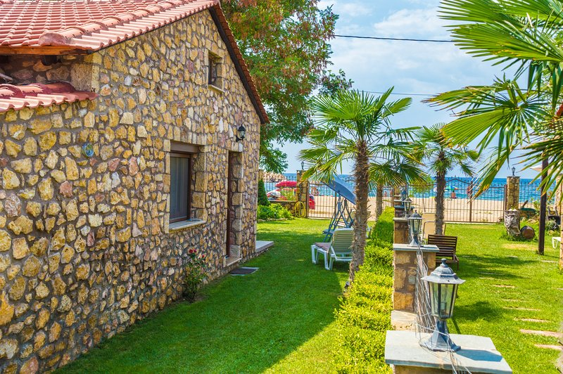 Stone House Maria, A House On the Beach!, holiday rental in Skala Sotiros