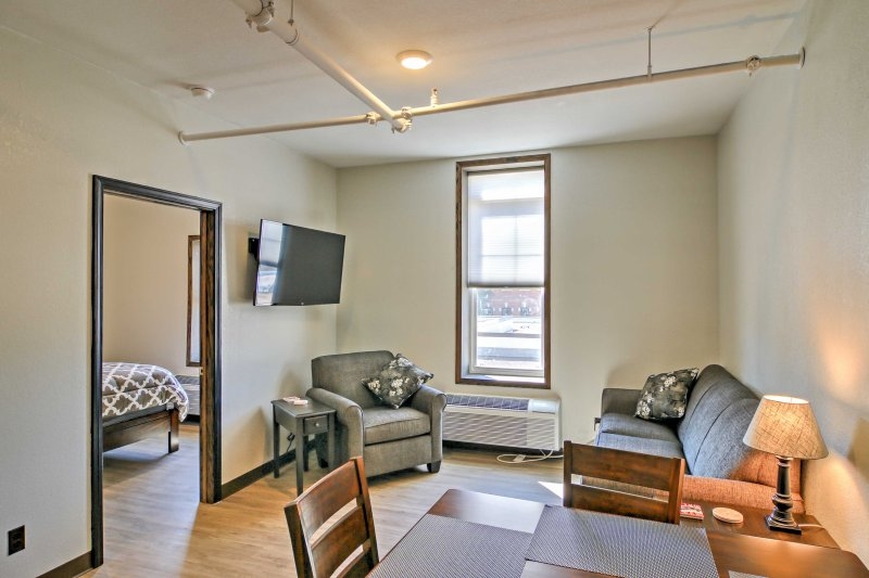 Relax at this 1-bedroom, 1-bathroom vacation rental apartment in Sturgis.