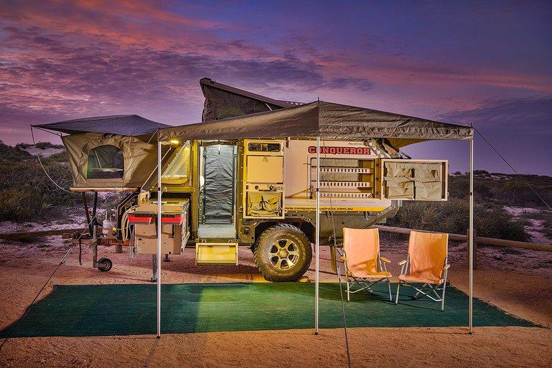 Vencedor UEV-490 Offroad Caravan