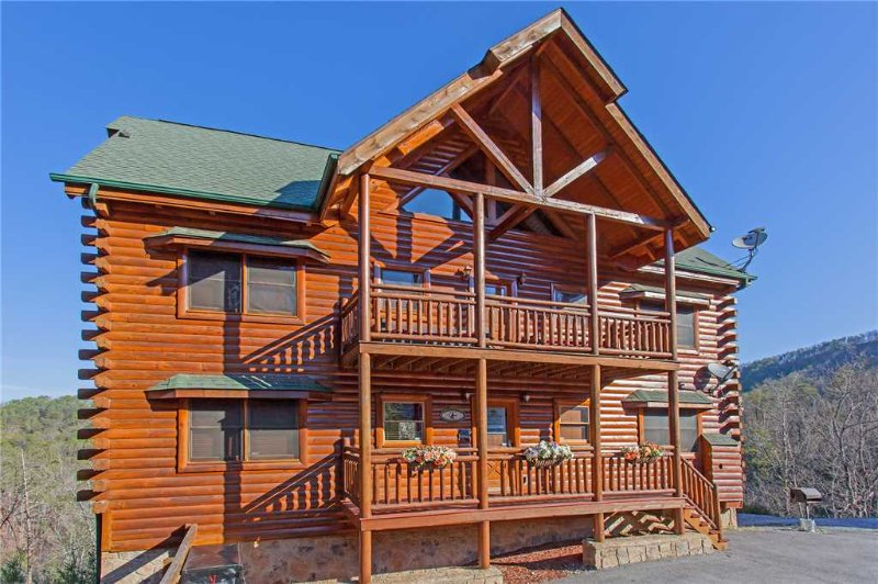 bit o honey updated 2019 8 bedroom cabin in pigeon forge with hot rh tripadvisor com