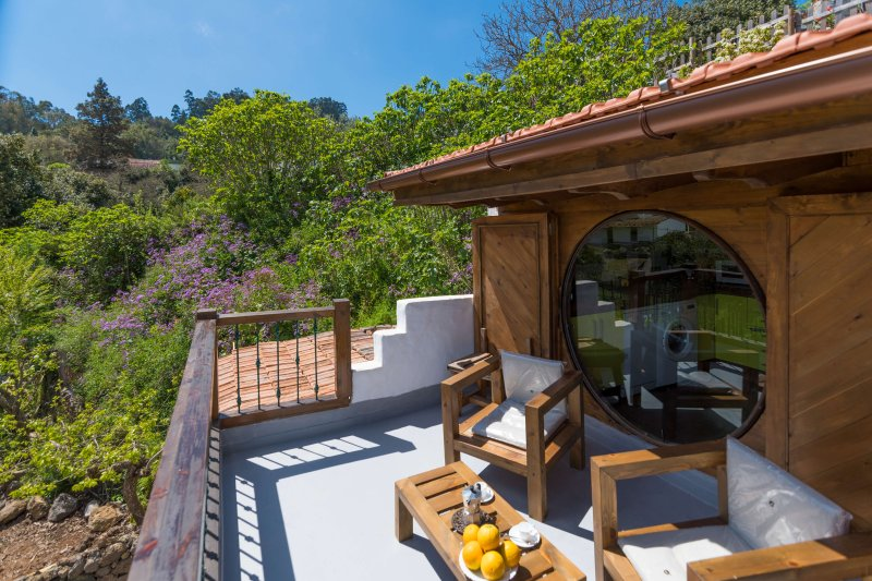 Romantic cottage with shared pool, holiday rental in Playa Quemada