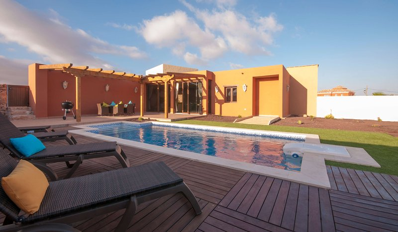 Holiday cottage with private pool in Tuineje, holiday rental in Tiscamanita