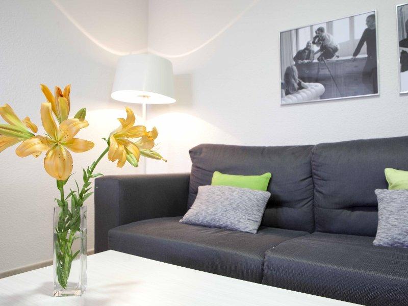LOFT 308: Modern Design in the Center of Alicante, holiday rental in San Isidro de Albatera
