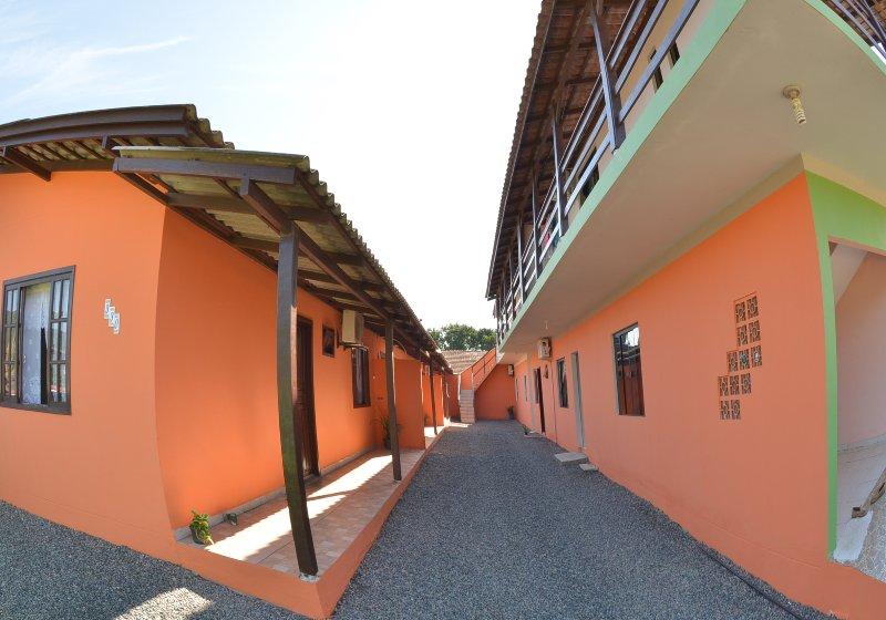 Apartamento próximo ao Beto Carrero para até 5 pessoas, alquiler de vacaciones en Picarras