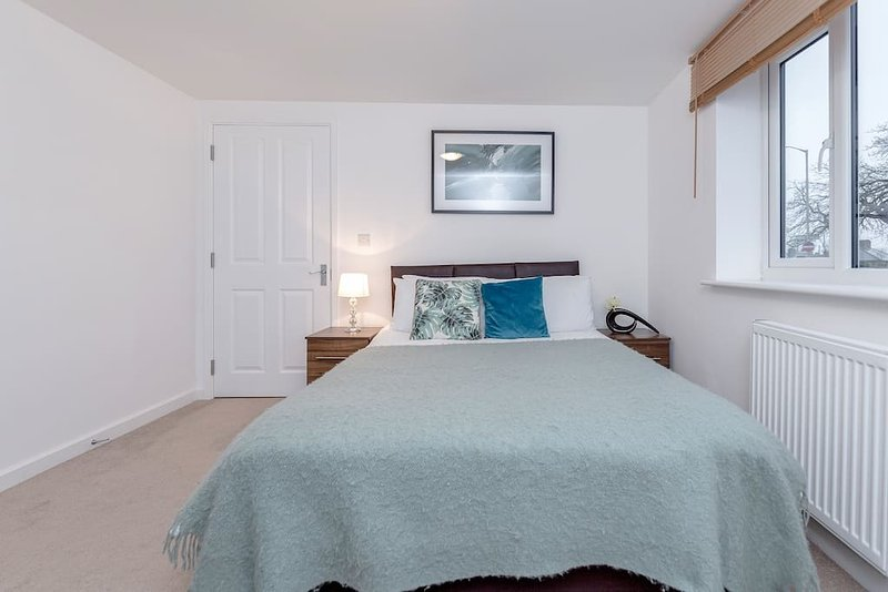 ⭐️Royal  Apartments - Heathrow: Apt No2⭐️Key Workers Only, holiday rental in Ruislip
