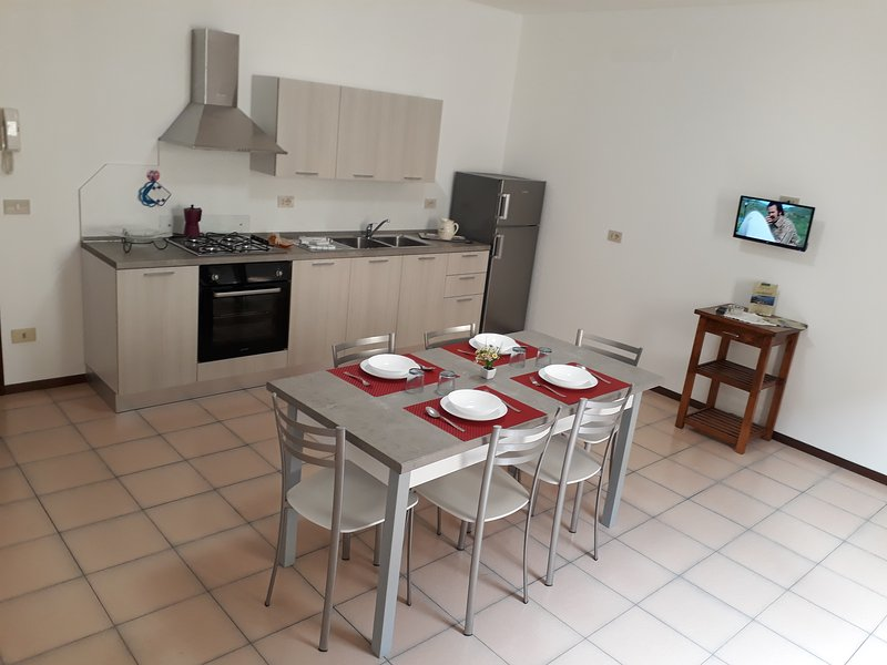 Appartamento 'Trieste' a Marone Lago d' Iseo, Ferienwohnung in Marone