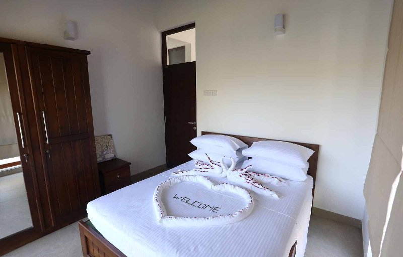 Star Apartment, holiday rental in Induruwa