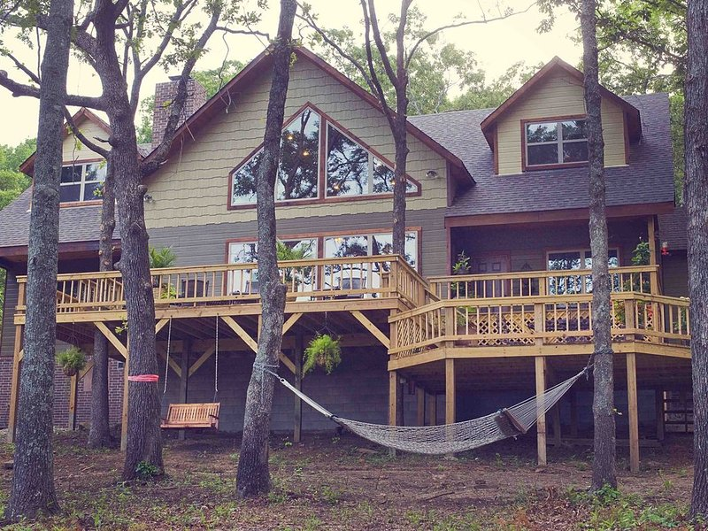 Tenkiller Lake The Lodge at Strayhorn Cove, casa vacanza a Muskogee