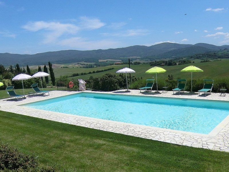 San Marziale Villa Sleeps 4 with Pool Air Con and WiFi - 5228386, holiday rental in Gracciano