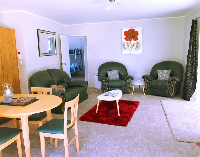 Dining & Lounge to bedrooms