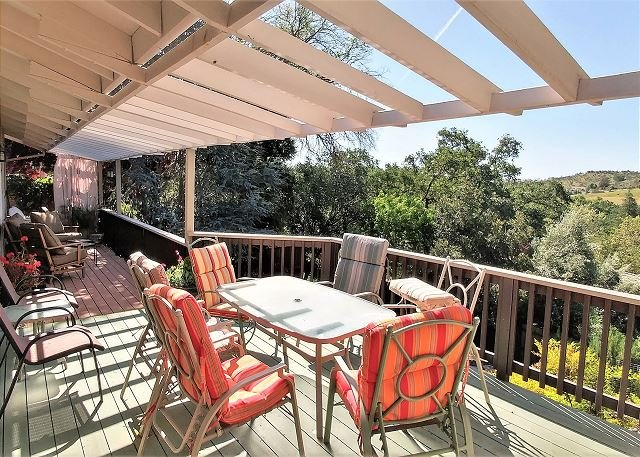 You will think you are in Tuscany with this incredible view!, holiday rental in Paso Robles