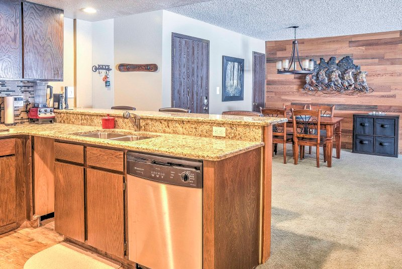 This ski-in/ski-out condo is perfect for groups of 6!