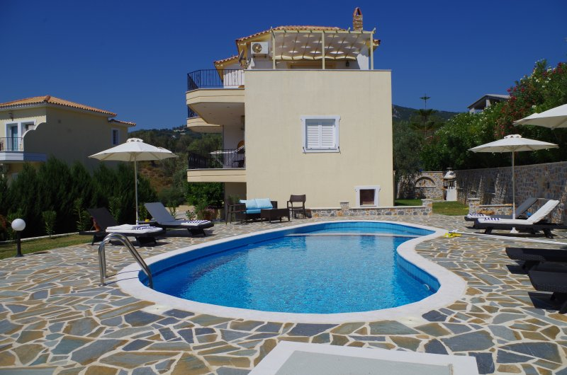 Villa Helios, beautiful peaceful Villa, own pool and private gardens.