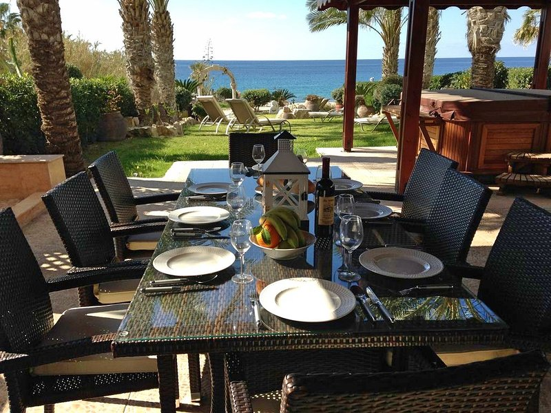 Alfresco dining, with spectacular views