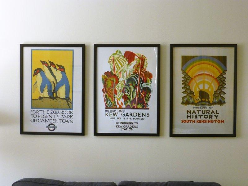 Bella, poster colorati in salotto.