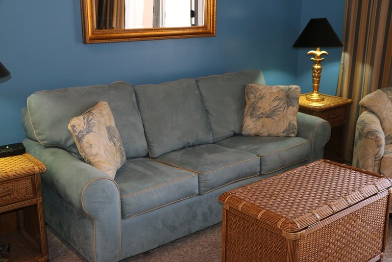 Couch,Furniture,Chair,Bed,Bedroom